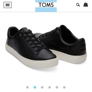NEW TOMS Leather Sneakers